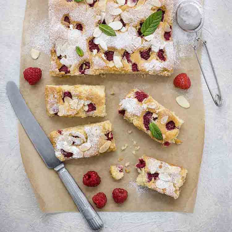 Quinola--almond-,-quinoa-and-raspberry-slices-32-Edit_750